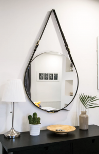 kitchen-hanging-mirror